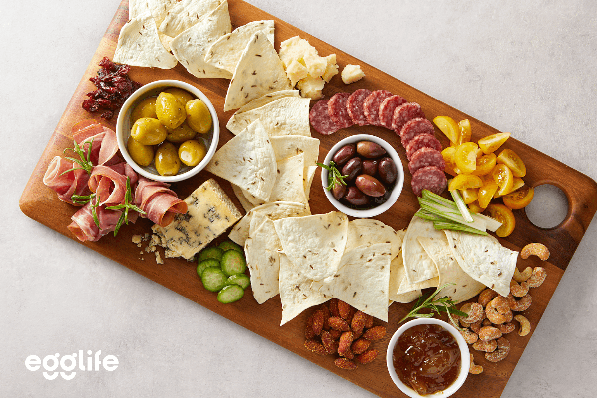 low-carb charcuterie board